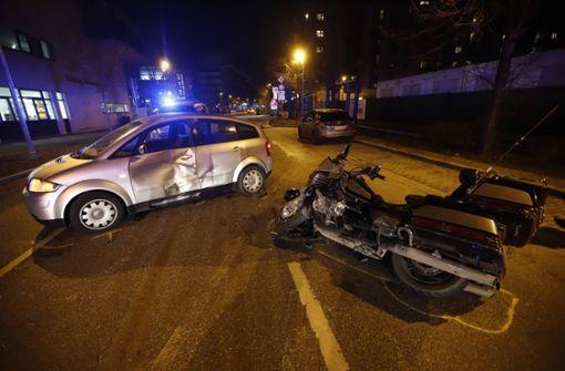 42-jähriger Motorradfahrer bei Unfall schwer verletzt