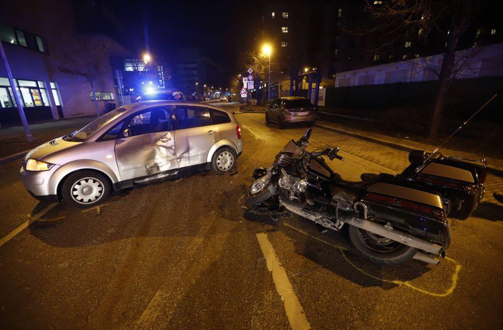 Der Motorradfahrer wurde bei dem Unfall schwer verletzt. Foto: 7aktuell.de/Simon Adomat