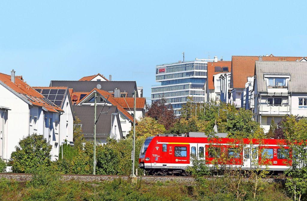 Entlang der Strecke zwischen Malmsheim und Renningen liegen viele Wohnhäuser. Foto: factum/Granville