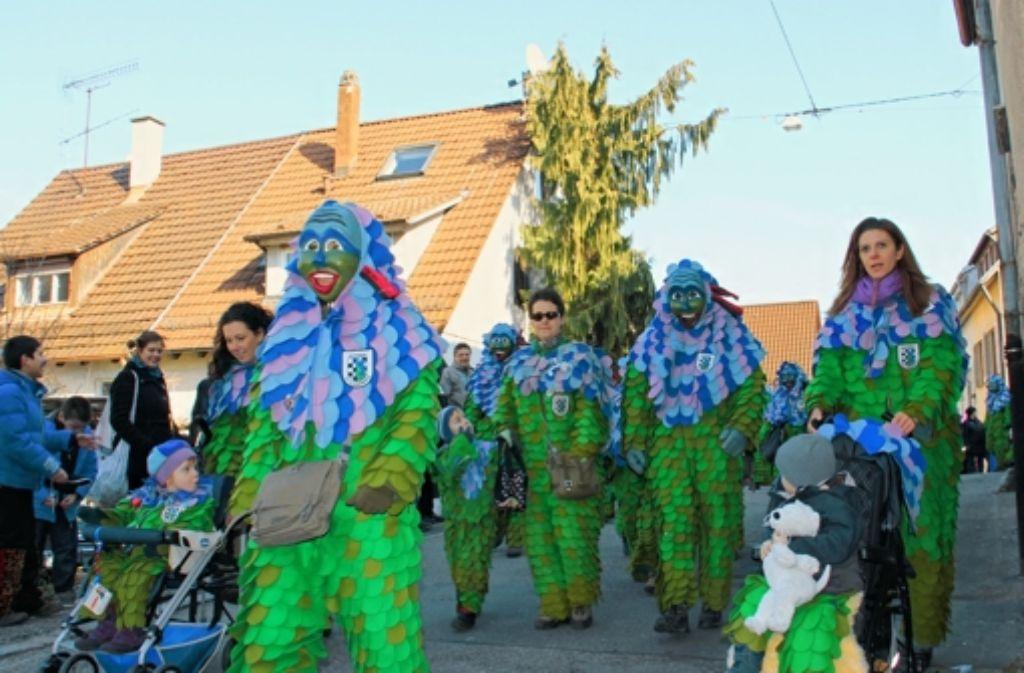 Die Hofener Scillamännle bei ihrem Straßenumzug im Jahr 2012. Foto: Archiv  Ströbele