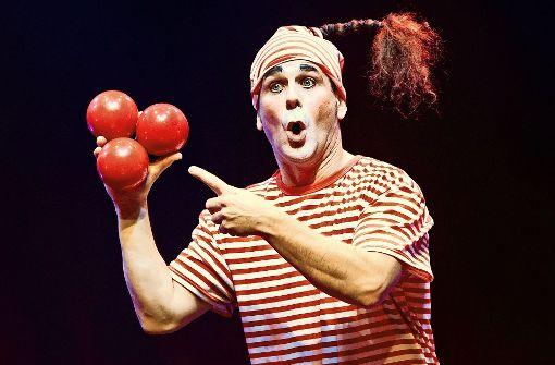 Der Clown spielt die Hauptrolle