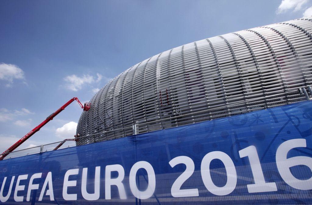 Die Fußball-EM in Frankreich soll ein Erfolg werden. Die Zuschauer sind bereit. Foto: AP