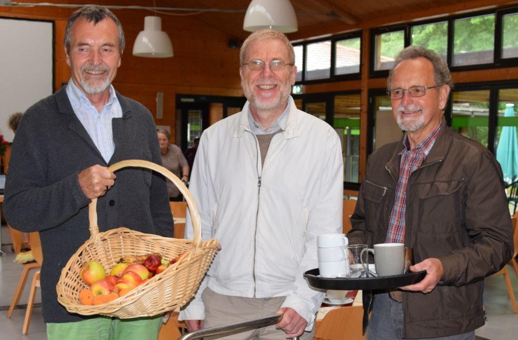 Hans-Ulrich Ebertshäuser, Pfarrer Winfried Maier-Revoredo und Klaus Eberle (v.li.)  freuen sich auf  Gäste. Foto: Alexandra Kratz