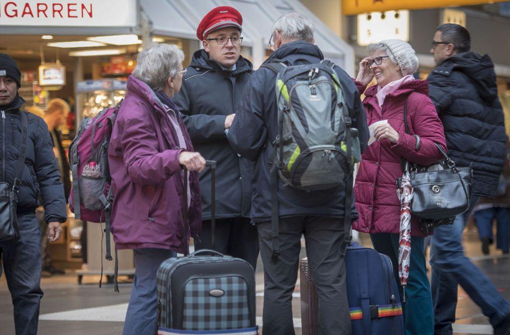 Wo geht's hin? Wie geht's weiter? Bahnreisende in Frankfurt. Foto: Getty Images Europe
