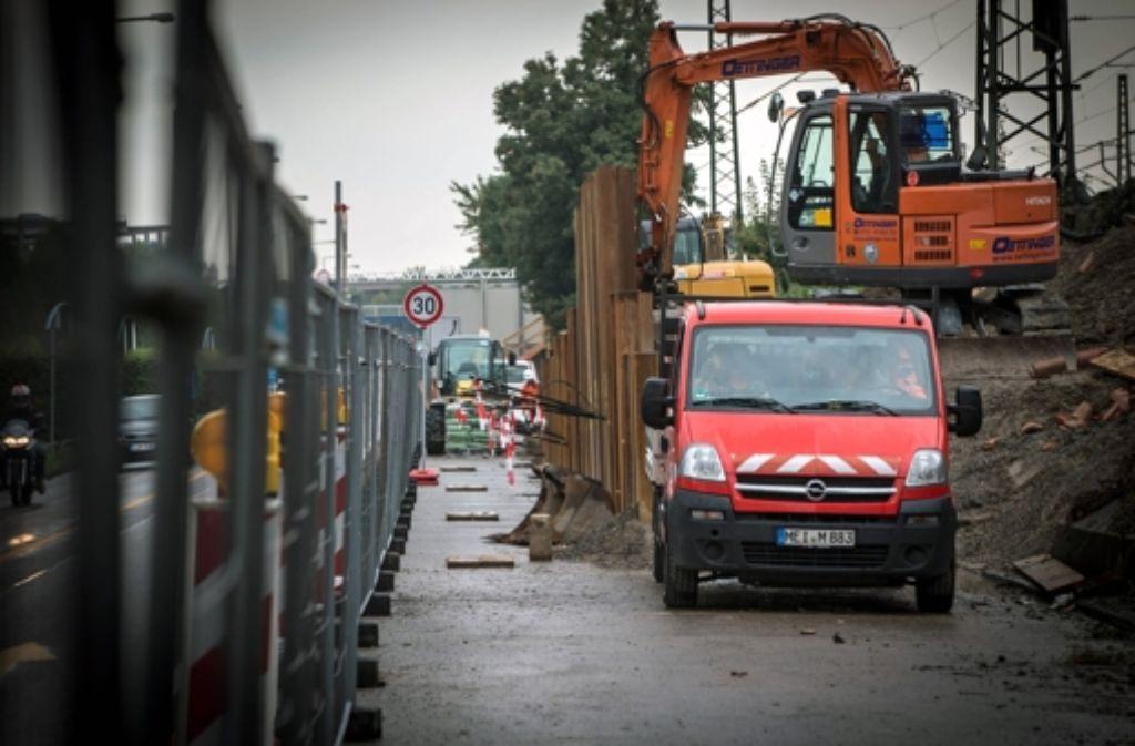 Über die Stuttgart-21-Baustelle in Untertürkheim haben sich Anwohner beschwert. In der folgenden Bilderstrecke zeigen wir die Historie des umstrittenen Bahnprojekts von 1994 bis heute.  Foto: Achim Zweygarth