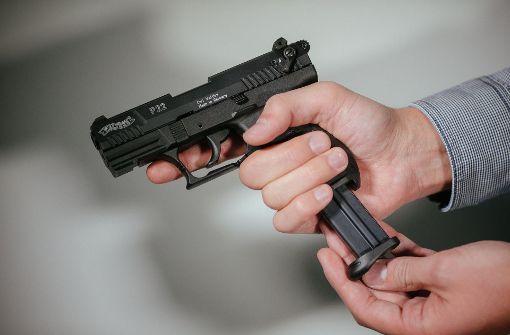 16-jähriger Pizzabote mit Pistole bedroht und ausgeraubt