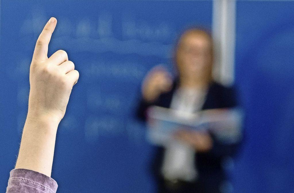 Die deutschen Schulen schaffen es nicht, die schwächeren Schüler ausreichend zu fördern: Fast jeder vierte Neuntklässler hat  in Mathe die Mindestkenntnisse nicht erreicht. Foto: dpa/Armin Weigel