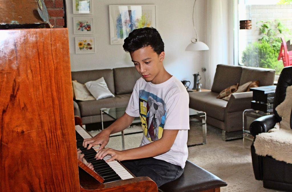 Christian Märkle zieht der Musik zuliebe zu seinen Großeltern. Foto: Sabine Schwieder