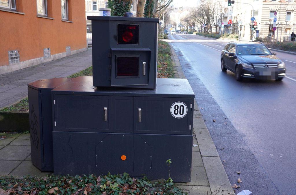 Der neue Blitzer steht in der Rotebühlstraße. Foto: Andreas Rosar/Fotoagentur Stuttgart
