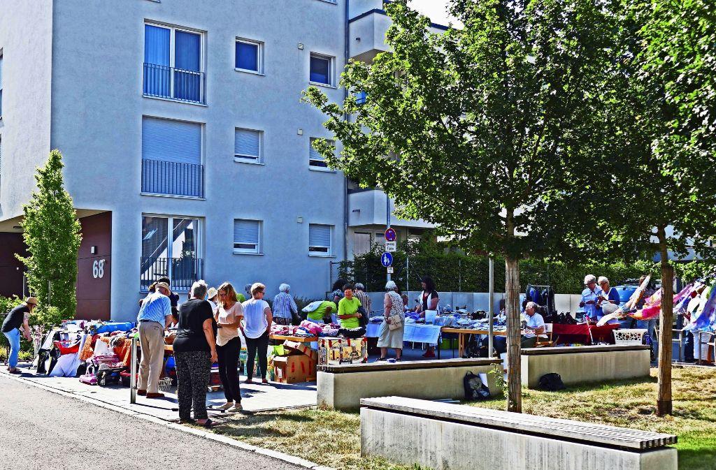 Ein  Flohmarkt ist eine gute Gelegenheit, Menschen verschiedener Generationen zusammenzubringen. Foto: Samariterstift