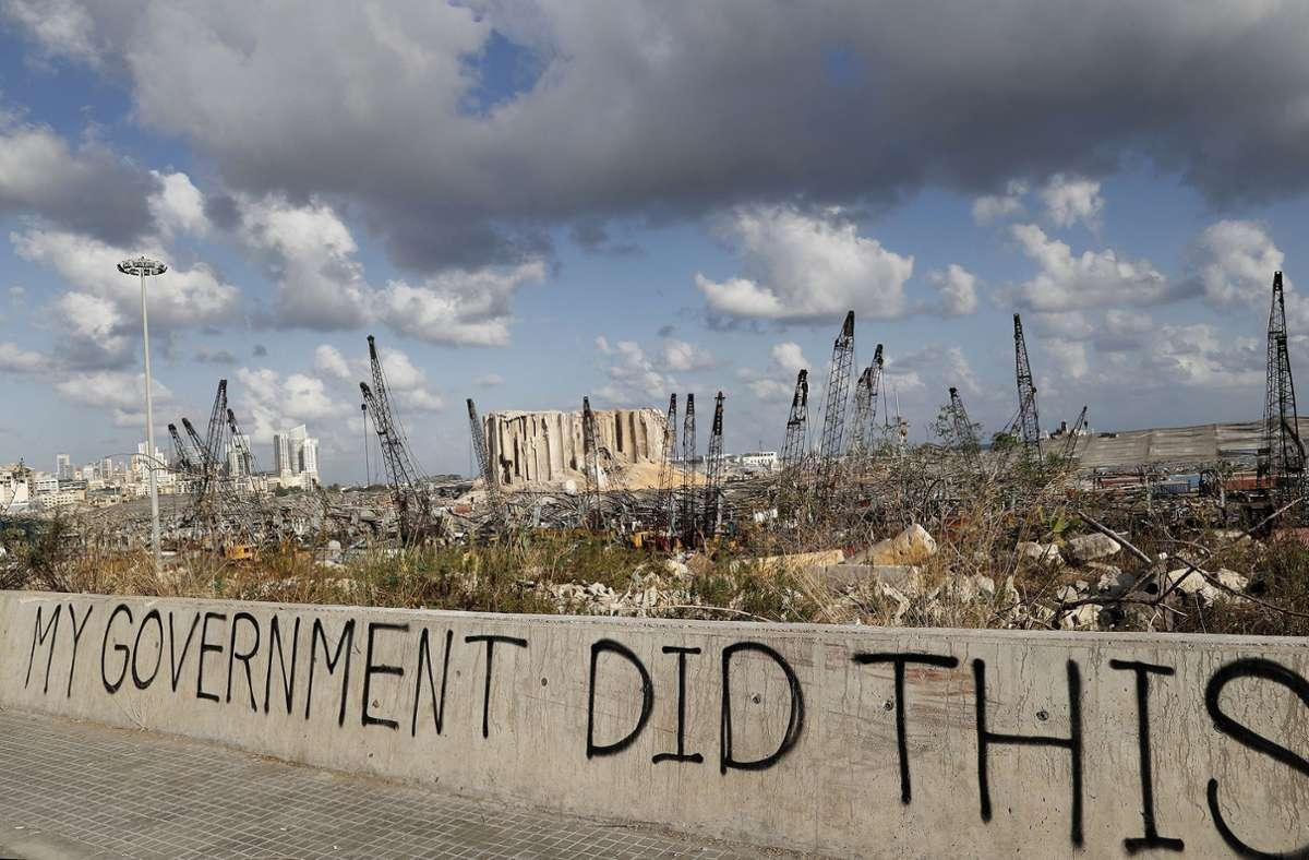 Die Wut vieler Menschen auf die politische Elite bekamen die Mächtigen seit der Explosion Tag für Tag zu spüren. Foto: dpa/Hussein Malla