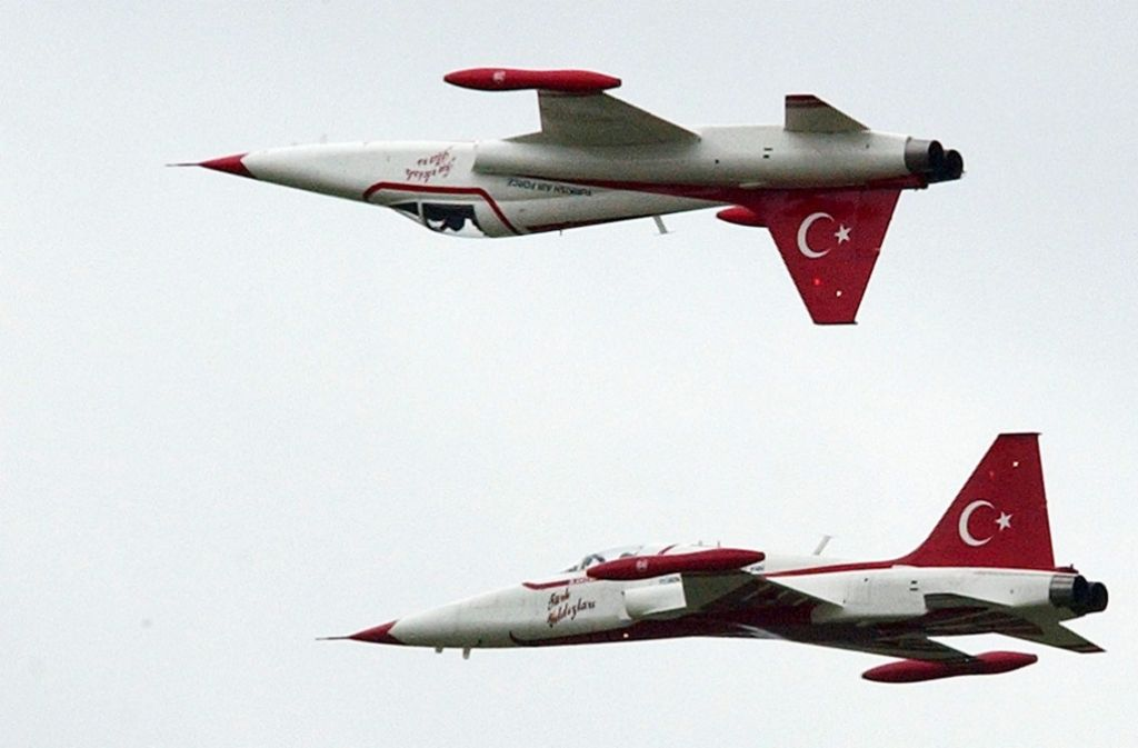 Die türkische Luftwaffe hat am Montag Stellungen der verbotenen Arbeiterpartei Kurdistans (PKK) im Nordirak angegriffen. (Symbolbild) Foto: dpa