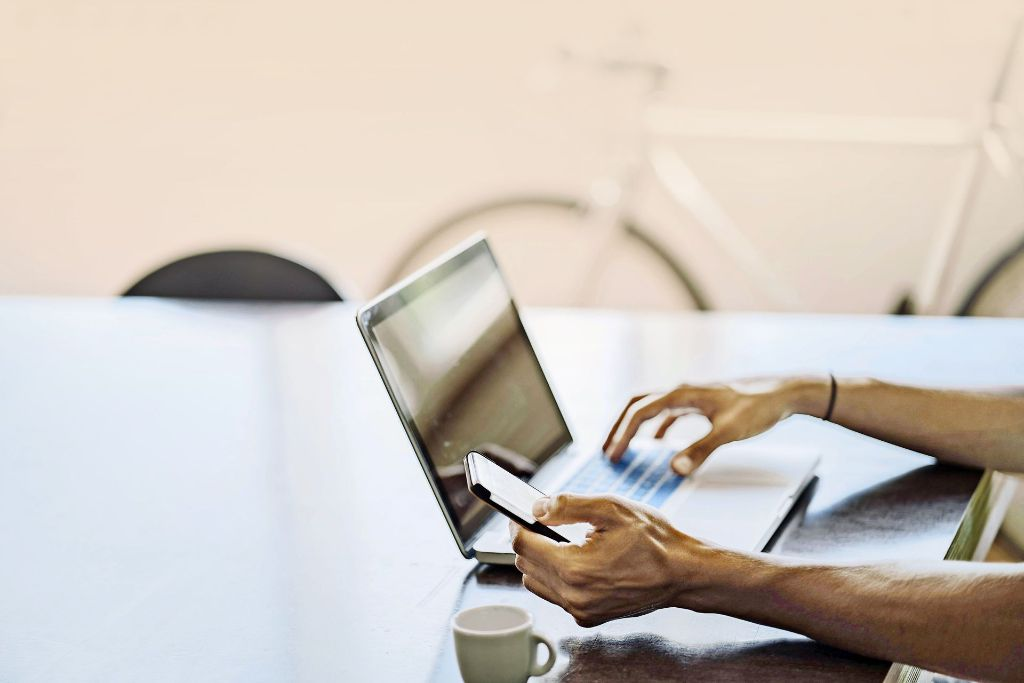 Der neueste Trend in der Computersicherheit verzichtet auf Passwörter und identifiziert den Menschen anhand seines Verhaltens. Foto: imago stock&people