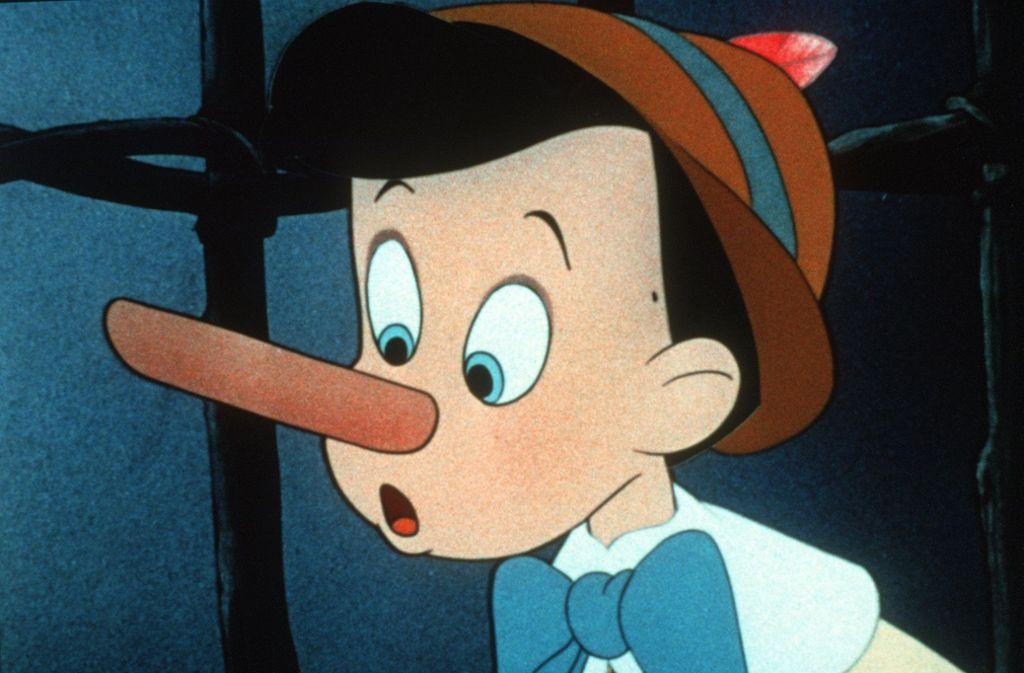 """Gibt es die Pinocchio-Nase, die wenn schon nicht wie bei der Holzpuppe in Carlo Collodis Kinderbuch beim Lügen wächst, so sich doch zumindest verfärbt? Mimik-Experten halten diesen """"Pinocchio-Effekt"""" für ein Ammenmärchen. Forscher der spanischen Universität von Granada haben mit Hilfe von Wärmebildkameras nachgewiesen, dass sich bei Lügnern die Durchblutung und Temperatur eines Muskels an der Innenseite der Augen erhöht. Lügner haben zwar keine langen, aber zumindest warme Nasen (Szene aus dem Disney- Zeichentrickfilm """"Pinocchio"""") Foto: picture-alliance/dpa"""