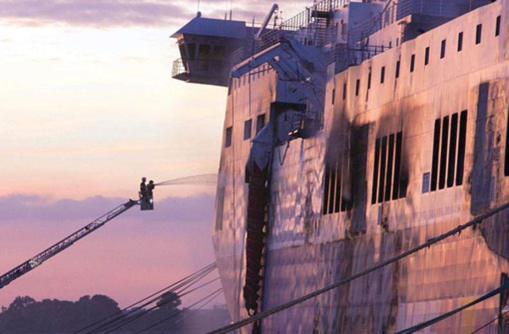 Immer noch gibt es an Bord der Norman Atlantic Schwelbrände. Foto: dpa