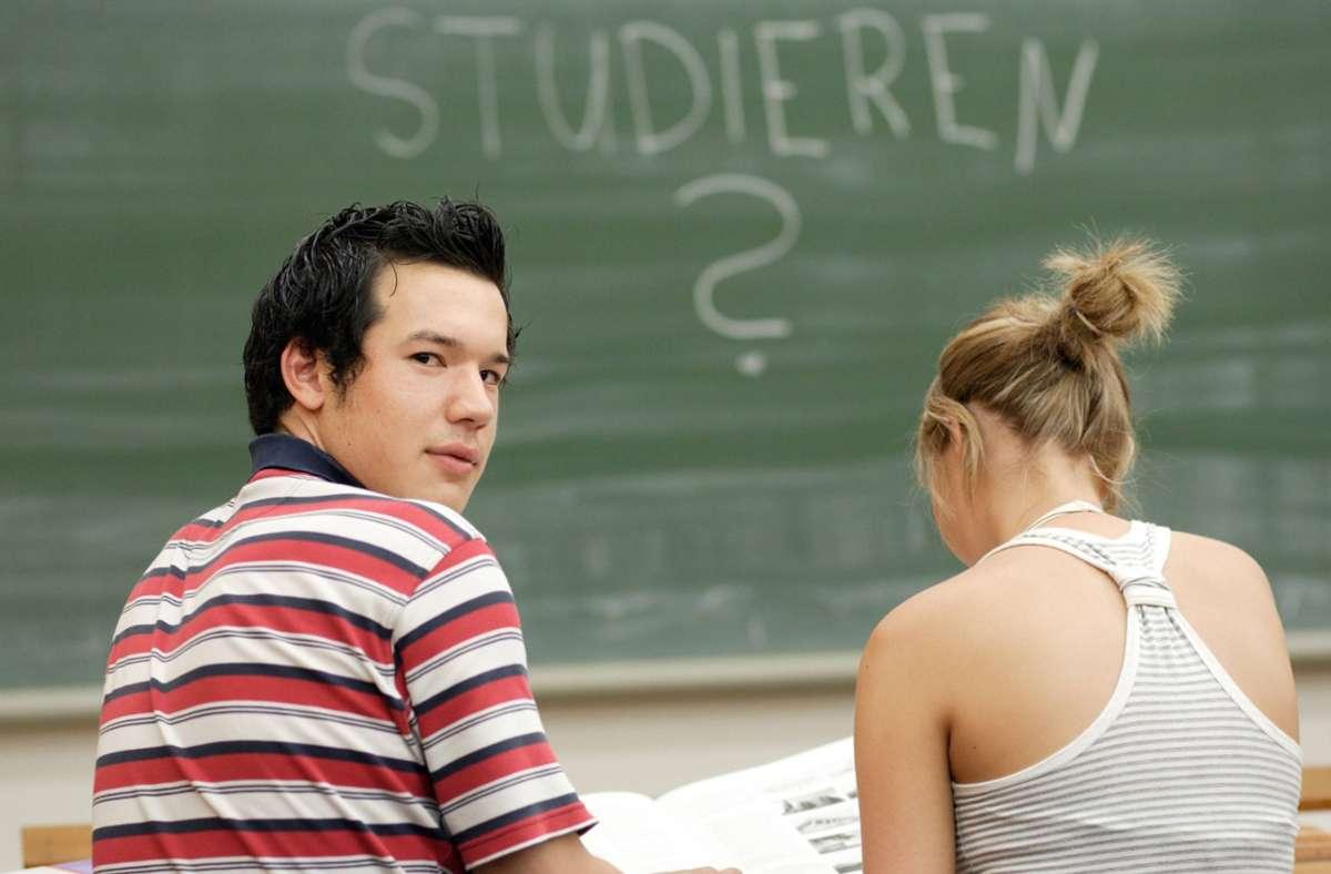 Kein Grund zur Panik: Auch in der Corona-Krise helfen die Hochschulen in Stuttgart und Umgebung Bewerbern dabei, das richtige Studium zu finden. (Symbolbild) Foto: imago/photothek/Thomas Koehler