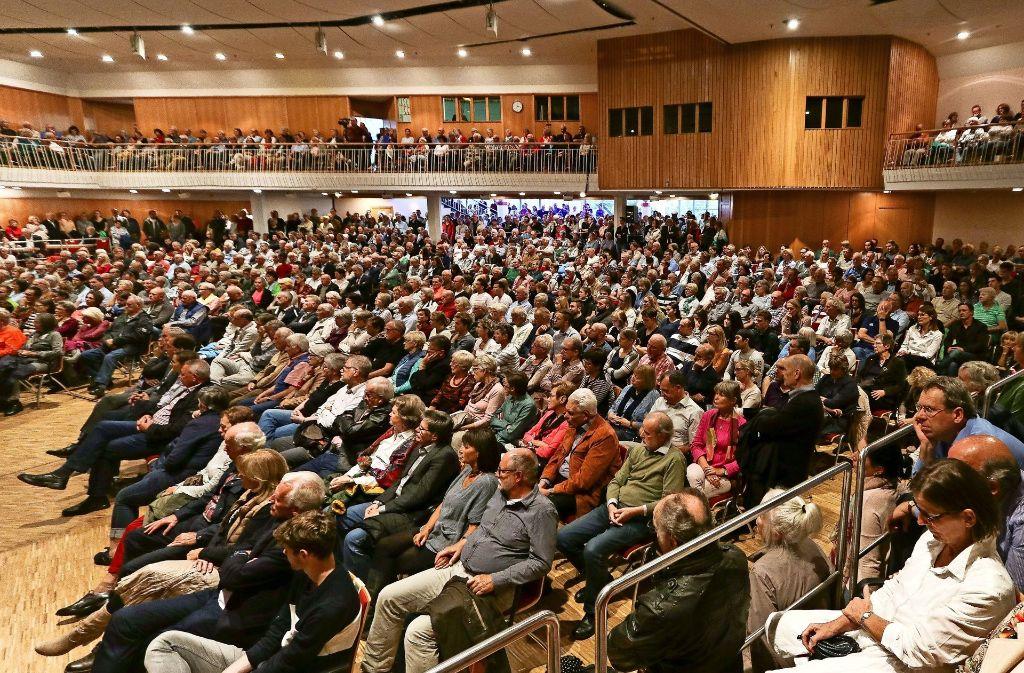 Keine freien Plätze: So voll ist die Stadthalle höchst selten. Foto: factum/Granville