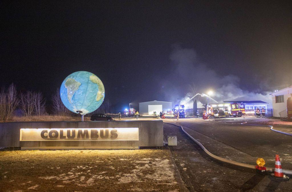 Beim Columbus-Verlag in Krauchenwies ist eine Lagerhalle abgebrannt. Foto: 7aktuell.de/Simon Adomat