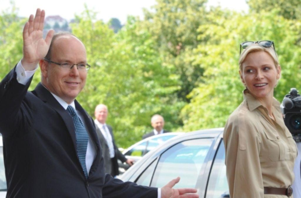 Auf Großmutters Spuren: Fürst Albert, hier mit seiner Frau Charlène, hat familiäre Verbindungen ins Württembergische. Foto: dpa