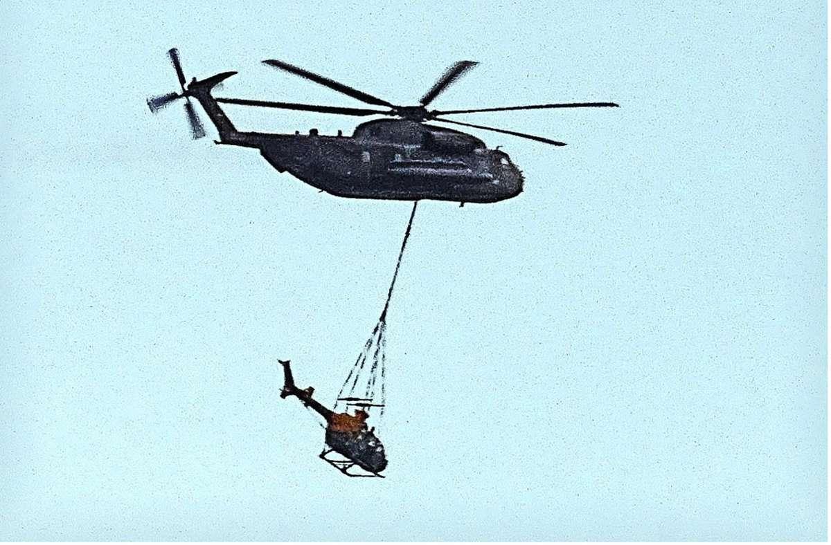 Über Backnang war ein ungewöhnlicher Lufttransport unterwegs. Foto: privat/Dirk Körbes