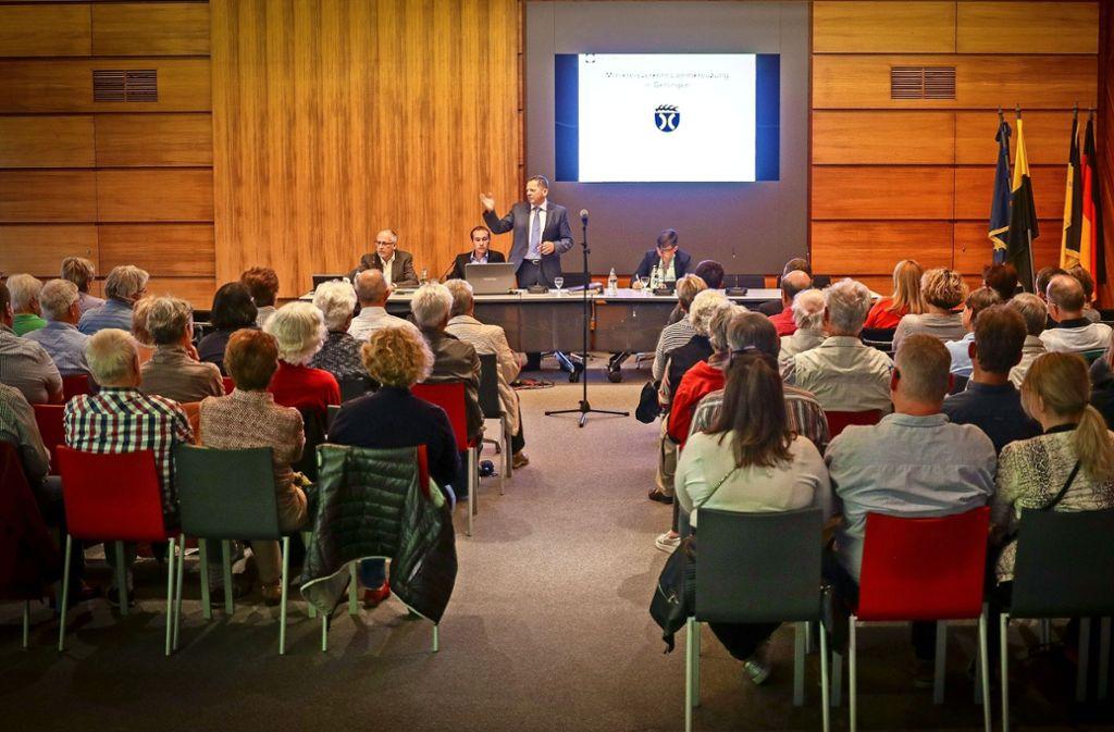 90 Bürger hörten sich an, was die Verwaltung zum Kreisel zu sagen hatte. Foto: factum/Granville