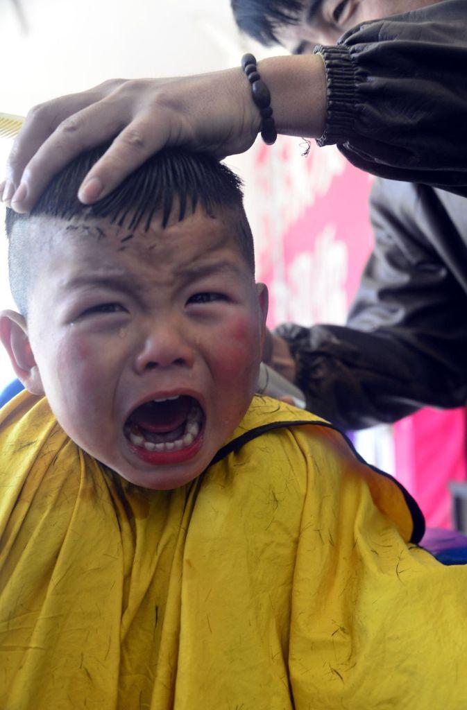 die tradition gefllt nicht jedem auch kinder mssen sich skurille frisuren schneiden lassen foto - Muster In Haare Rasieren