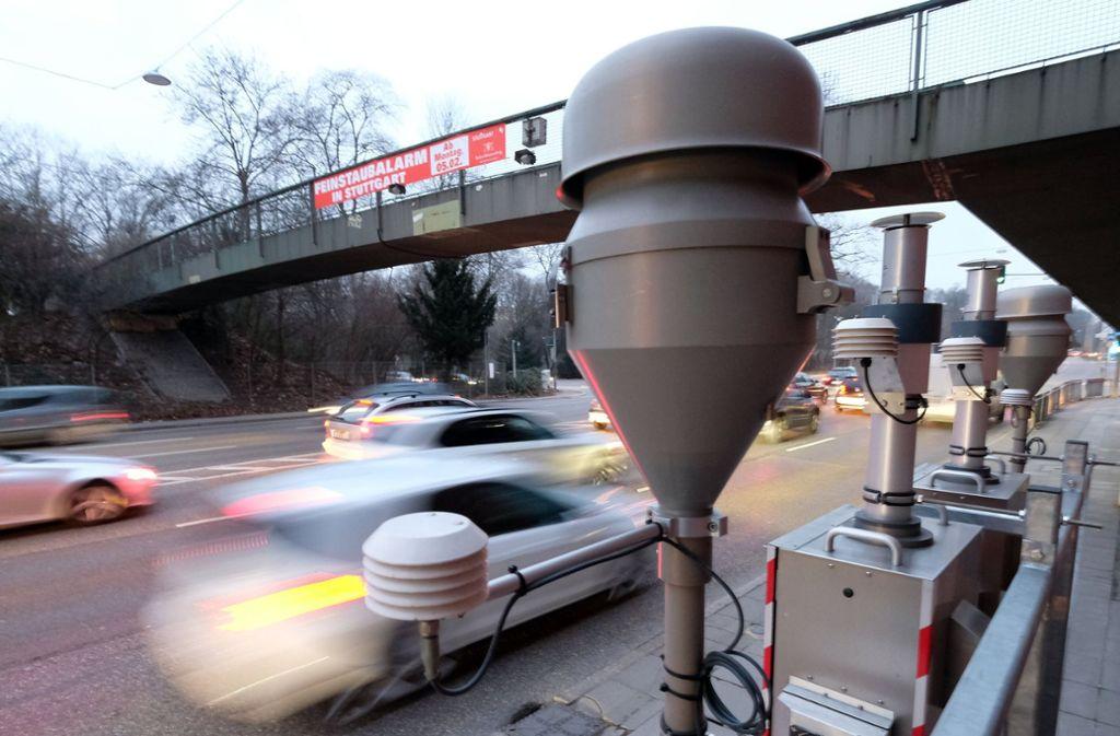 In Stuttgart steht am Neckartor eine Messstation. Foto: dpa