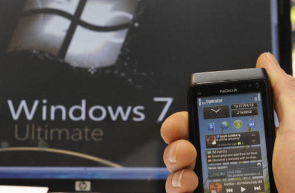 Nokia will seine Smartphones künftig mit dem Betriebssystem Windows Phone 7 von Microsoft auf den Markt bringen. Foto: dapd