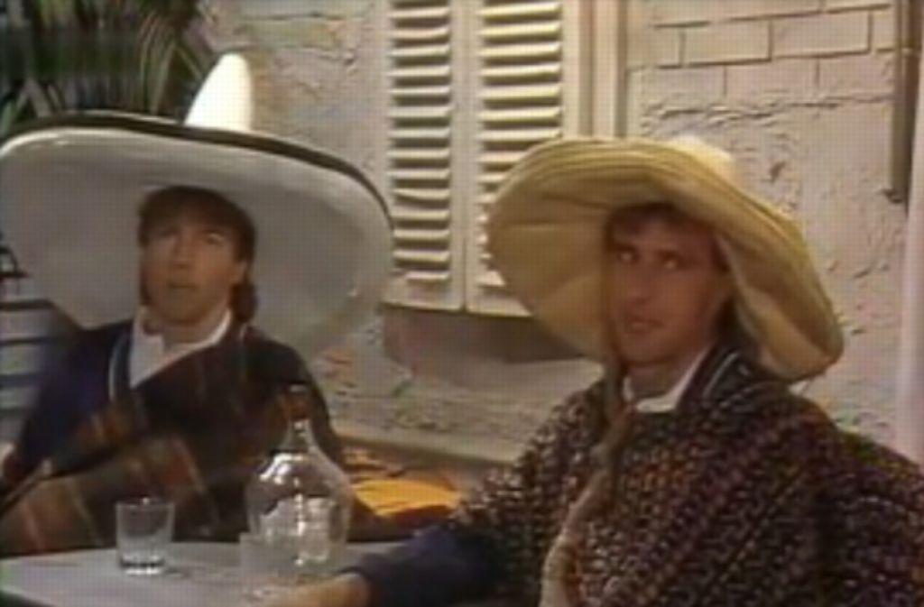 ... die deutschen Nationalspieler Lothar Matthäus und Pierre Littbarski glänzten in typisch-mexikanischer Tracht. Foto: Screenshot StZ