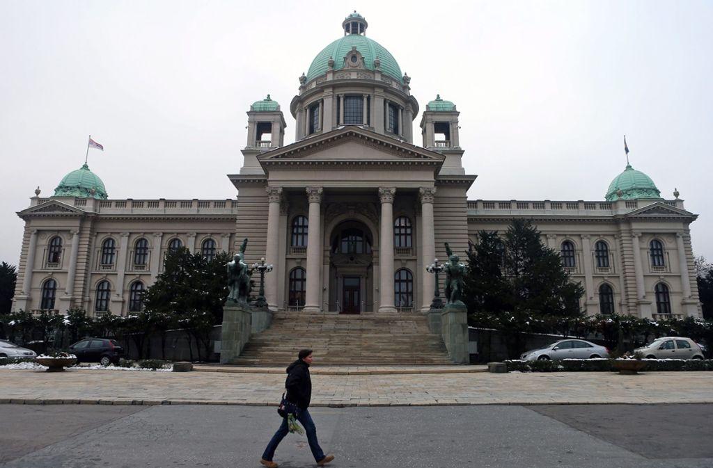 Das Parlament in Belgrad: Ein Auftragsmord macht Serbiens Hauptstadt erneut zum Schauplatz einer Blutrache-Fehde Foto: dpa