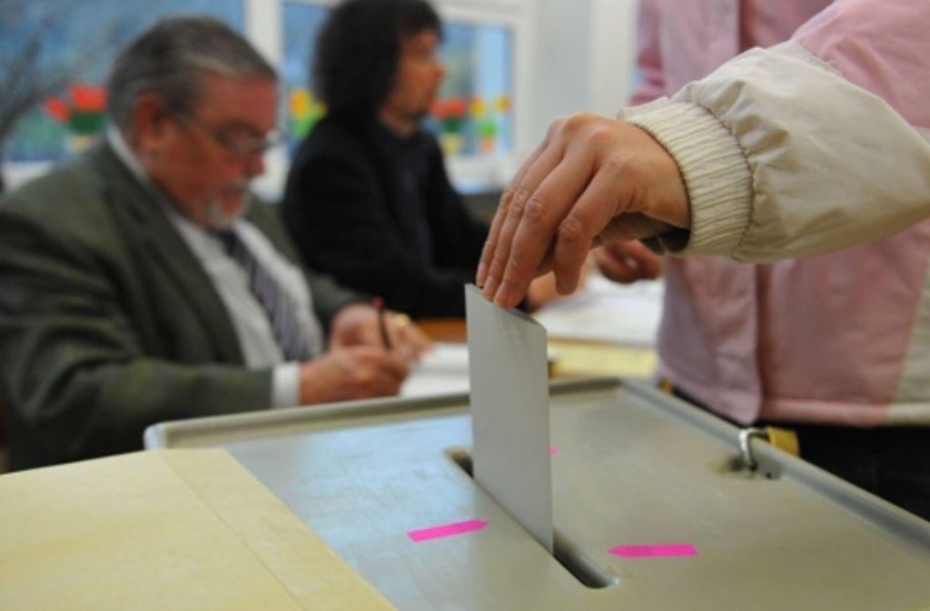 Würde am Sonntag gewählt, die großen Parteien CDU und SPD würden schwere Verluste einfahren. Foto: dpa
