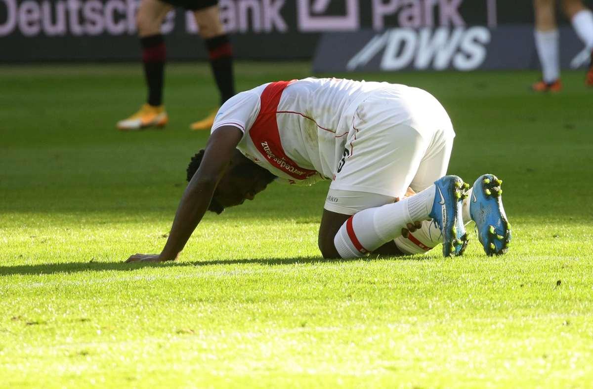 Wieder der Oberschenkel: Es ist eine weitere Hiobsbotschaft für den VfB und Mangala selbst. Foto: Pressefoto Baumann/Hansjürgen Britsch