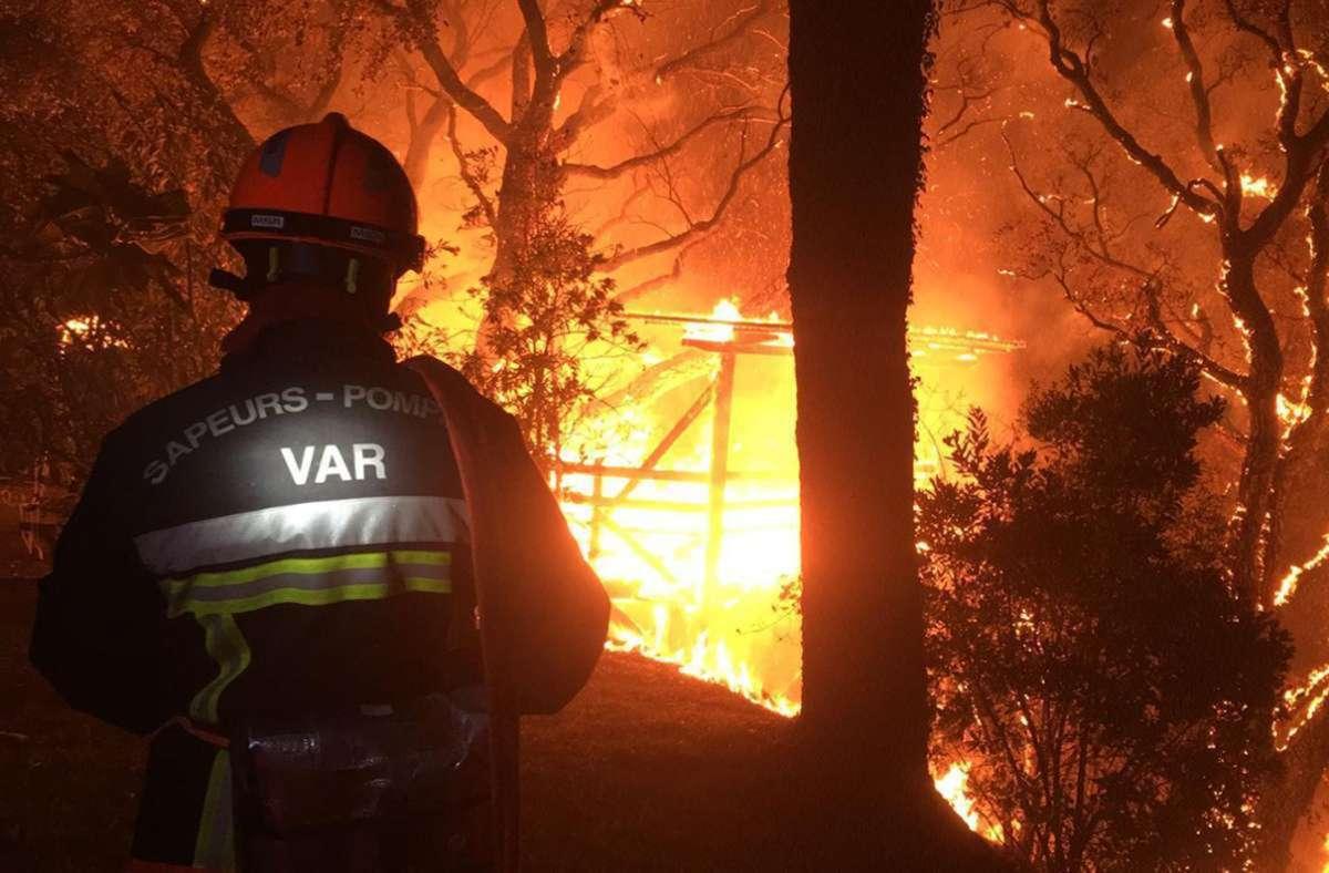 Frankreichs Feuerwehr bekämpft einen Brandherd. Foto: Securite Civile
