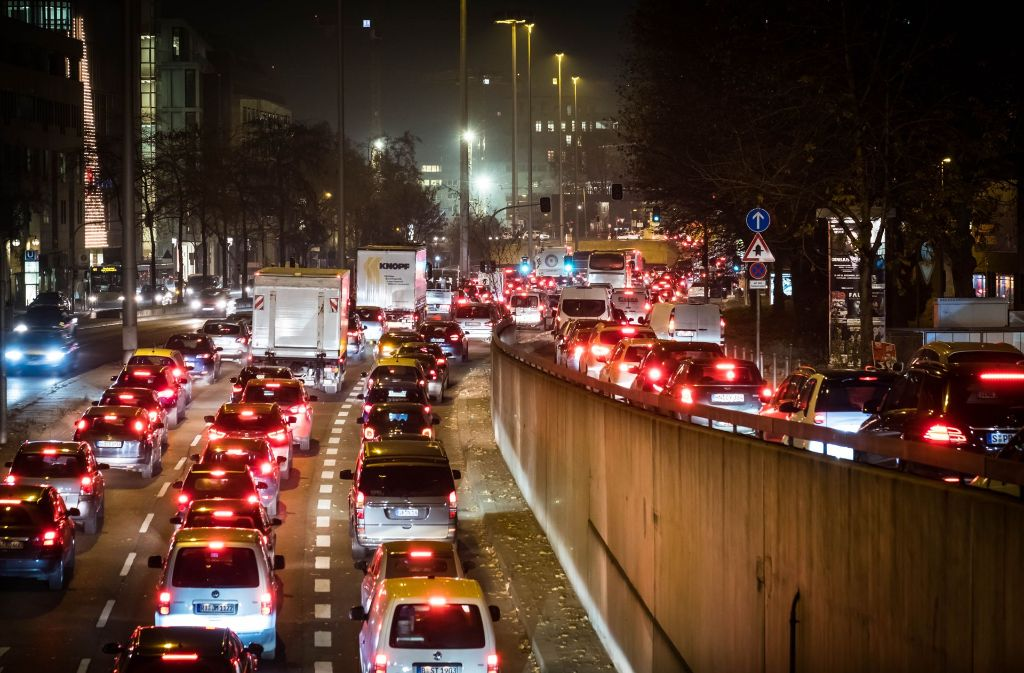Städten soll ermöglicht werden, Fahrverbote gegen Dieselautos zu verhängen Foto: Lichtgut/Achim Zweygarth