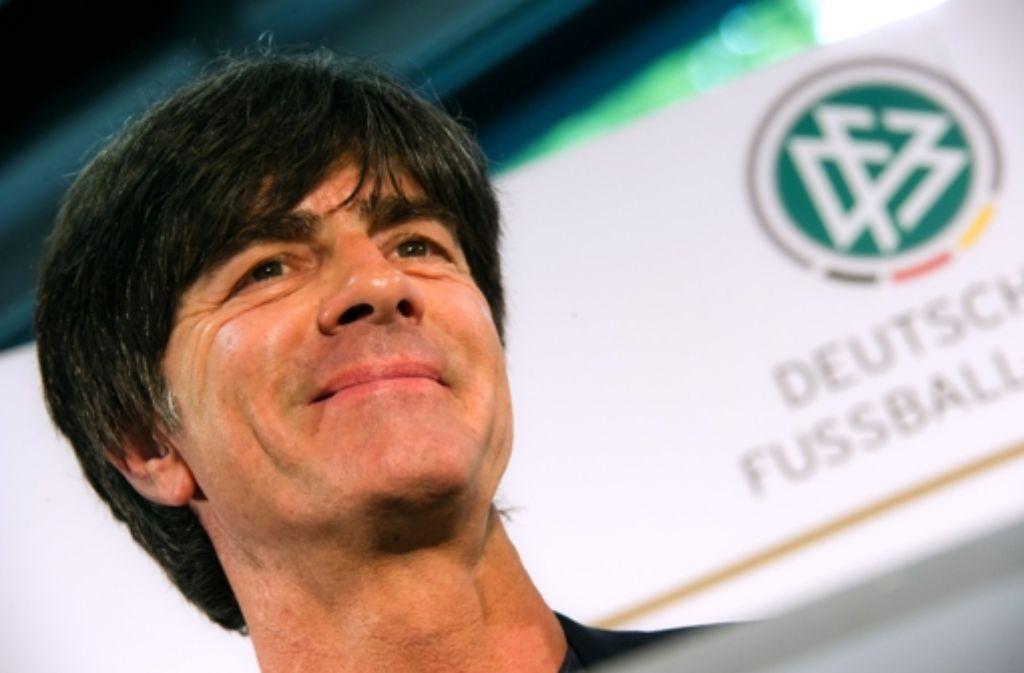 Nun steht das Programm von Bundestrainer Joachim Löw bis zur WM in Brasilien. Foto: dpa