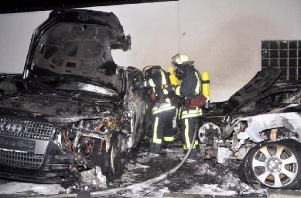 In einem Autohaus in Bietigheim-Bissingen (Kreis Ludwgisburg) hatte der Feuerteufel auch zugeschlagen. Foto: dpa