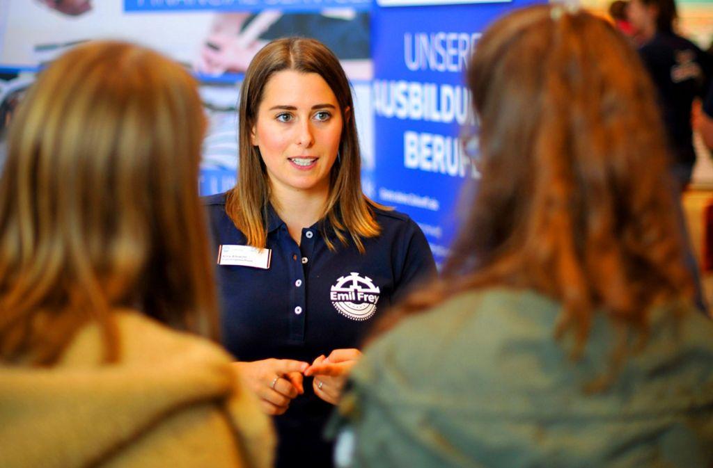 Bei der Messe Firstjob gab es jede Menge Zeit für Gespräche. Foto: Lichtgut/Max Kovalenko
