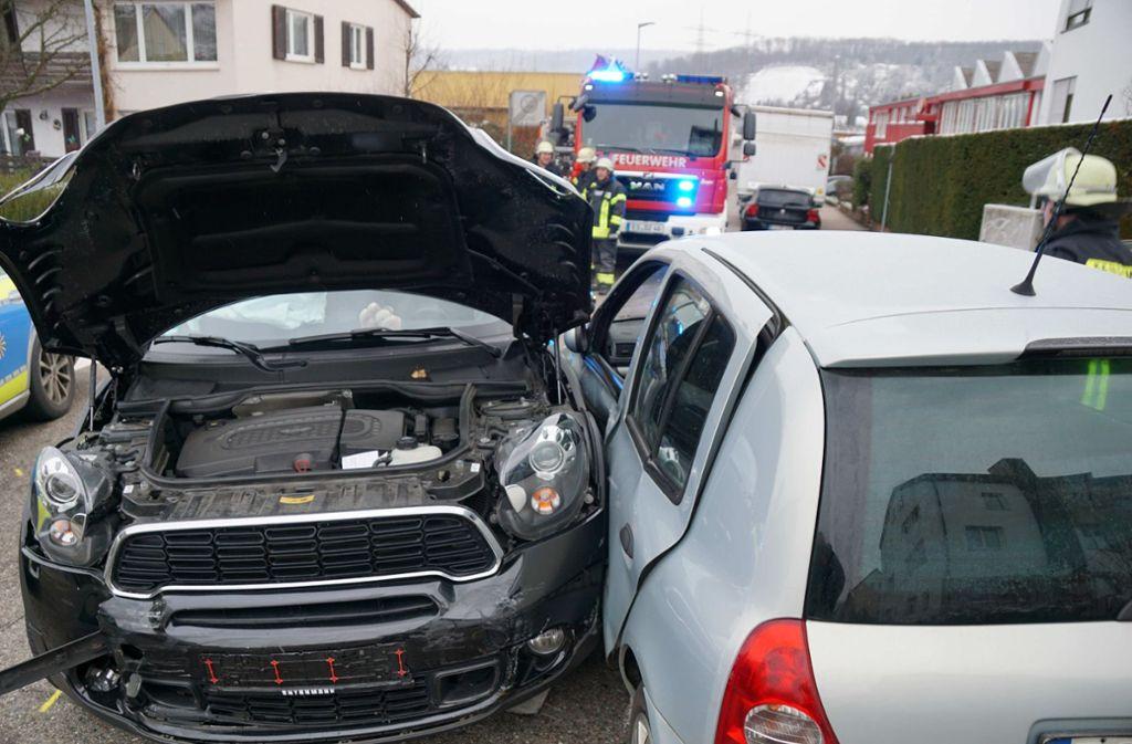 Eine betrunkene 73-Jährige prallt in Deizisau  frontal gegen den Renault eines 26-Jährigen. Foto: SDMG