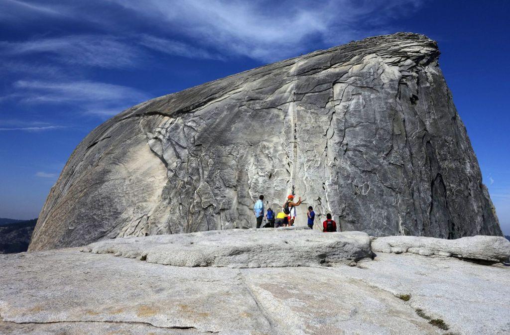Der Mann erklomm am Vortag mit einem Partner die steilste Stelle der Route am Half Dome, als er abstürzte (Archivfoto). Foto: AP