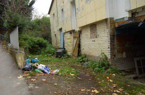 Anwohner ärgern sich über Müll und Altglas