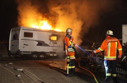Wohnmobil brennt komplett aus