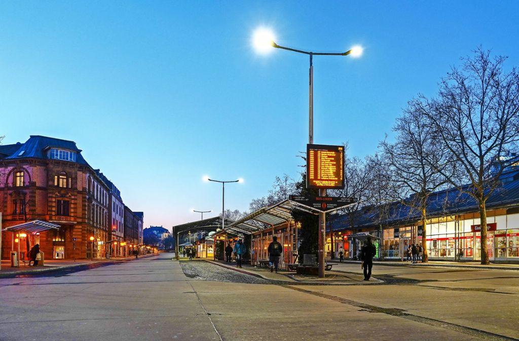 Der verwaiste Busbahnhof am frühen Dienstagmorgen Foto: factum/Bach