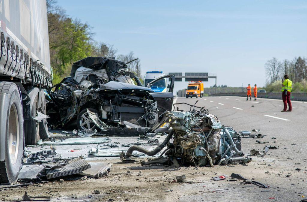 Eine 60-jährige Ford-Fahrerin kam bei dem Unfall ums Leben. Foto: 7aktuell.de/Nils Reeh