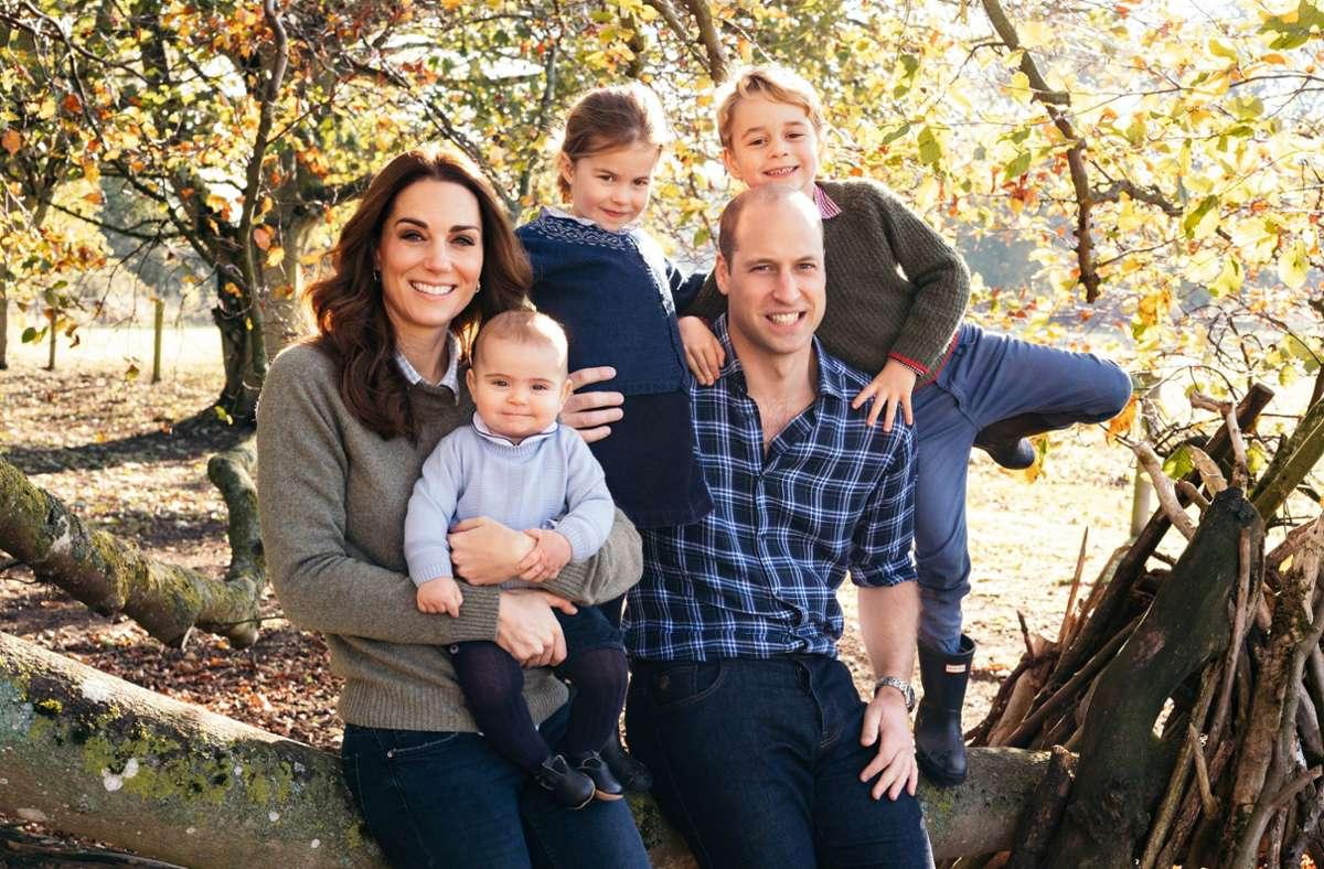 Nach Angaben des Palasts ist es eine Tradition, dass die Kinder von William und Kate jedes Jahr zum Muttertag Karten zur Erinnerung an Prinzessin Diana für William basteln. Foto: dpa/Matt Porteous