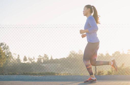 Ob bei Regen oder Sonnenschein – laufen macht uns fit und den Kopf frei. Wir haben die besten Laufstrecken rund um Stuttgart für euch zusammengefasst.