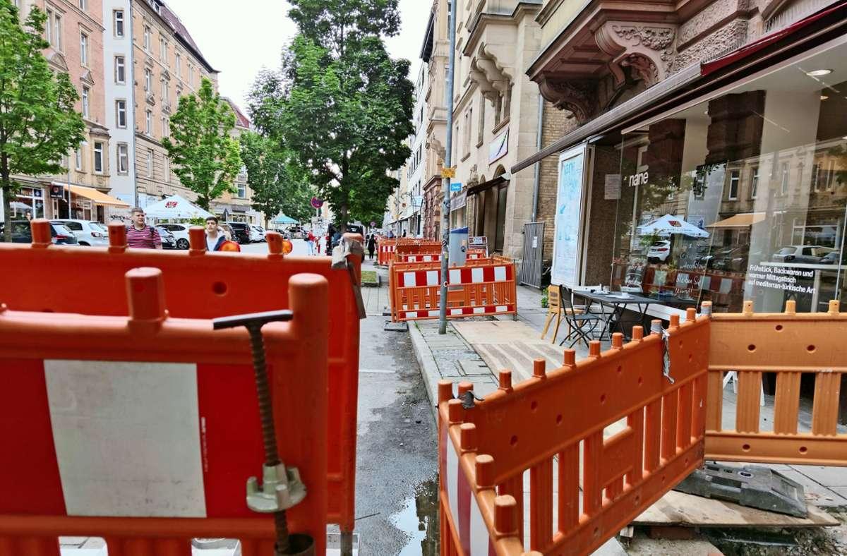Läden und Cafés sind nur schlecht zugänglich. Foto: /Kathrin Wesely