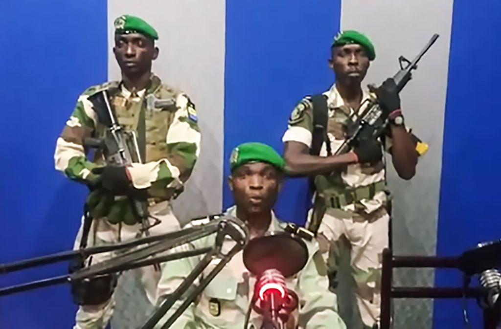Fünf Militärs hatten am Montagmorgen den staatlichen Rundfunk in Gabun besetzt Foto: YOUTUBE