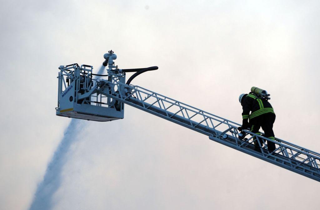 Die Markgröninger Feuerwehr bekommt ihre Drehleiter vom Landratsamt gefördert. Foto: dpa