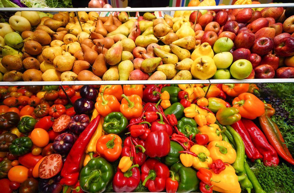 Foodwatch will Obst und Gemüse mehr in den Vordergrund rücken. Foto: imago images/Stefan Zeitz