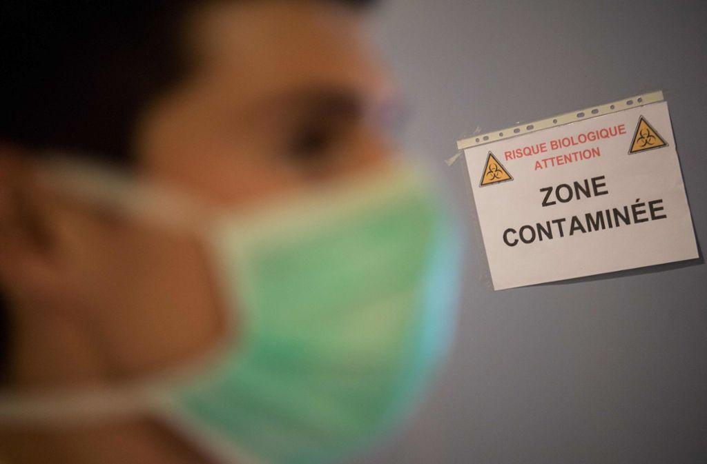 Frankreich verschärft die Regeln zur Eindämmung der Corona-Pandemie weiter. Foto: dpa/Loic Venance